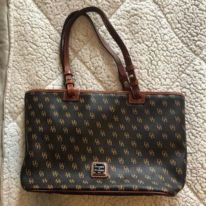 Dooney & Burke Monogram shoulder bag